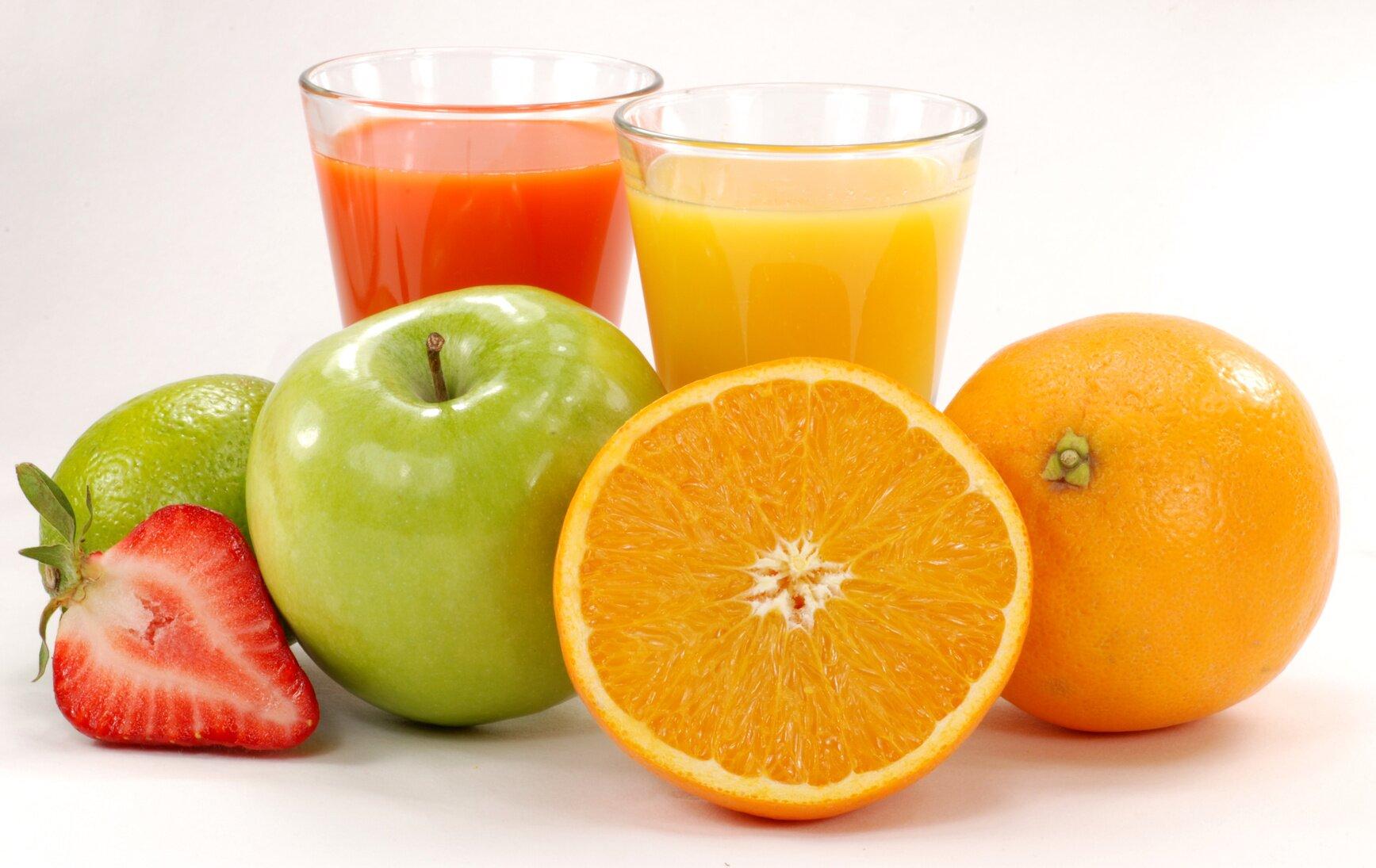 Sửa mũi kiêng ăn gì - Nên bổ sung nước trái cây