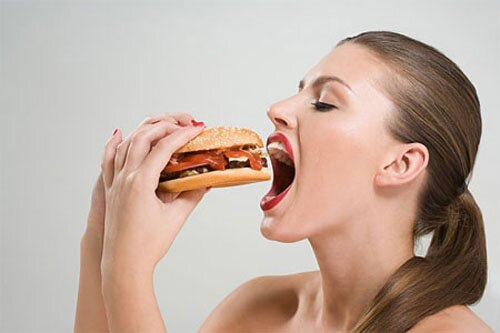 Thói quen sai lầm dẫn đến béo bụng-1