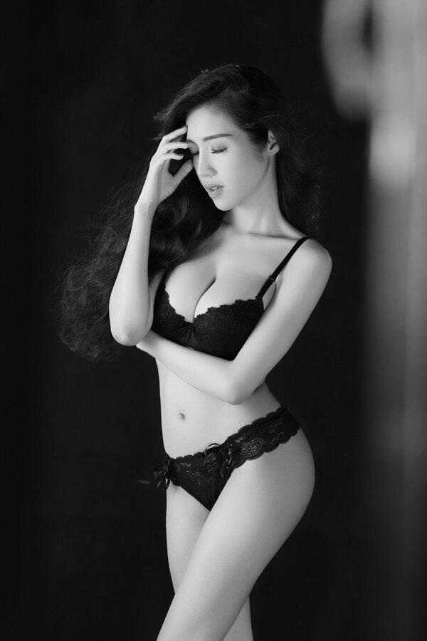"""Những vòng eo """"con kiến"""" đáng mơ ước của kiều nữ Việt"""